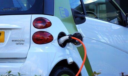 El Gobierno y las comunidades autónomas acuerdan propuestas en autoconsumo y movilidad eléctrica