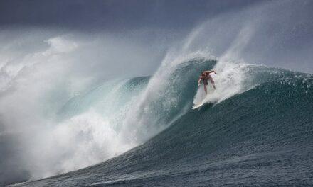 El equipo español de surf vuelve al trabajo tras el parón navideño para continuar preparando el preolímpico de surf